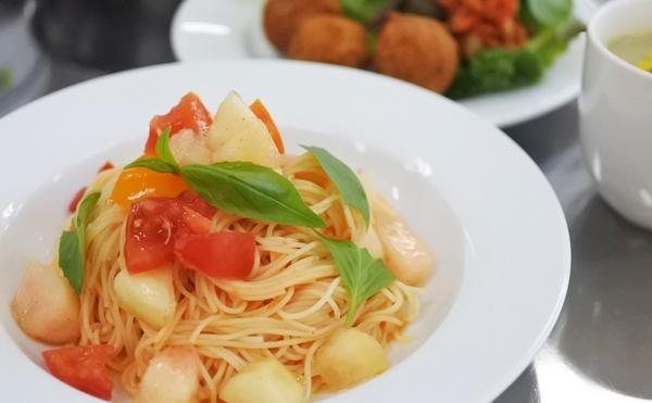 フレッシュトマトと桃のカッペリーニ