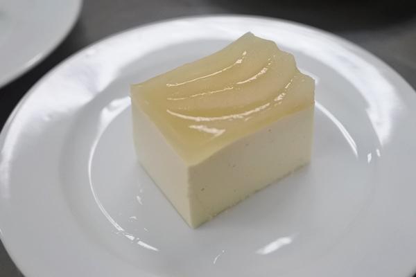 梨のレアヨーグルトケーキ