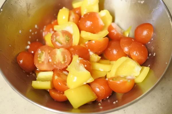 パプリカとミニトマト